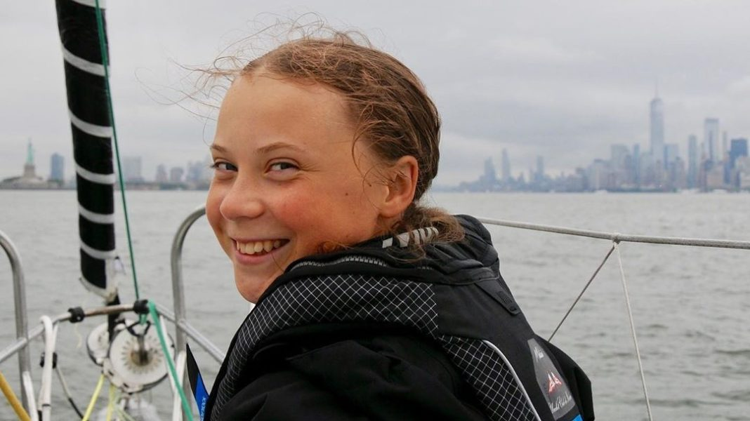 greta sonrie 2 vegan-plant-based-news-who-is-greta-thunberg-1068x600.jpg